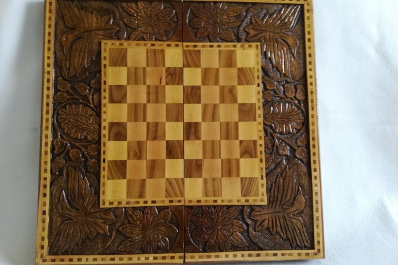 Galerie Shirazi_Pau_Backgammon_échecs_Khorshid.2